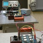 The coils far apart show a small signal on the oscilloscope.